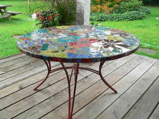 Mosaic Table detail